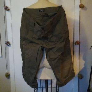 Apt 9 capri cargo pants